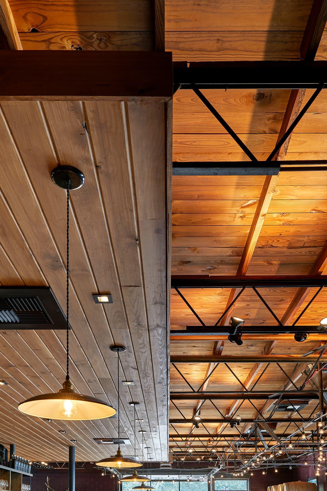 lazarus-brewing-ceiling
